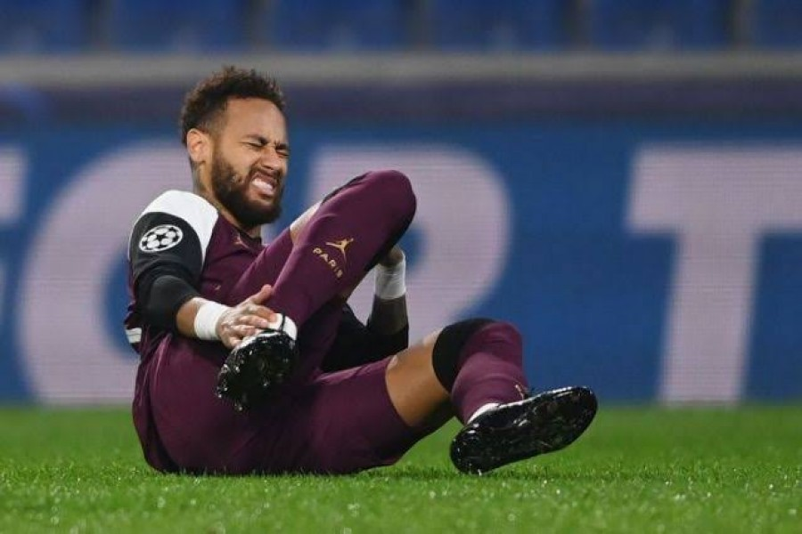 Paris St Germain's Neymar reacts after sustaining an injury during Champions League clash against Istanbul  Basaksehir — Pool via Reuters