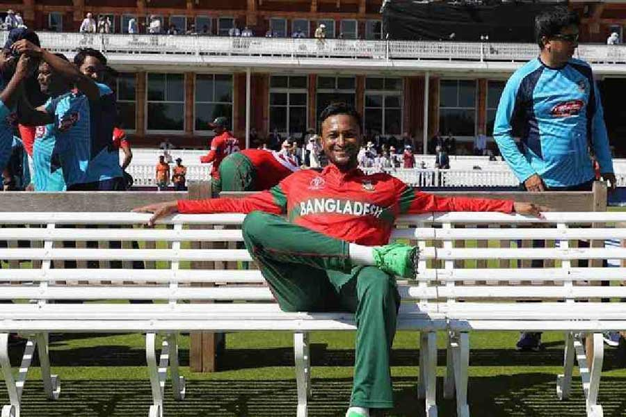 Cricket lovers eager to get Shakib back on the field