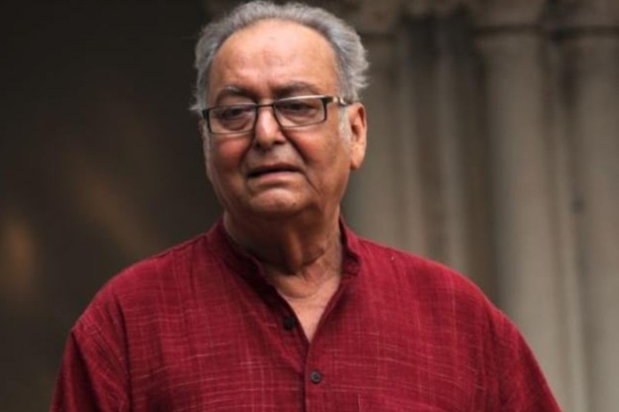 Iconic actor Soumitra Chatterjee passes away