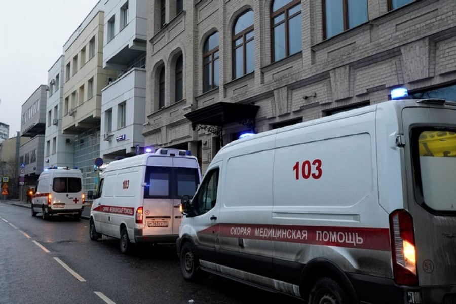 """Ambulances are seen near City Polyclinic Number 3, where Russia's """"Sputnik V"""" vaccine against the coronavirus disease (COVID-19) is being tested in Moscow Nov 28, 2020. REUTERS"""