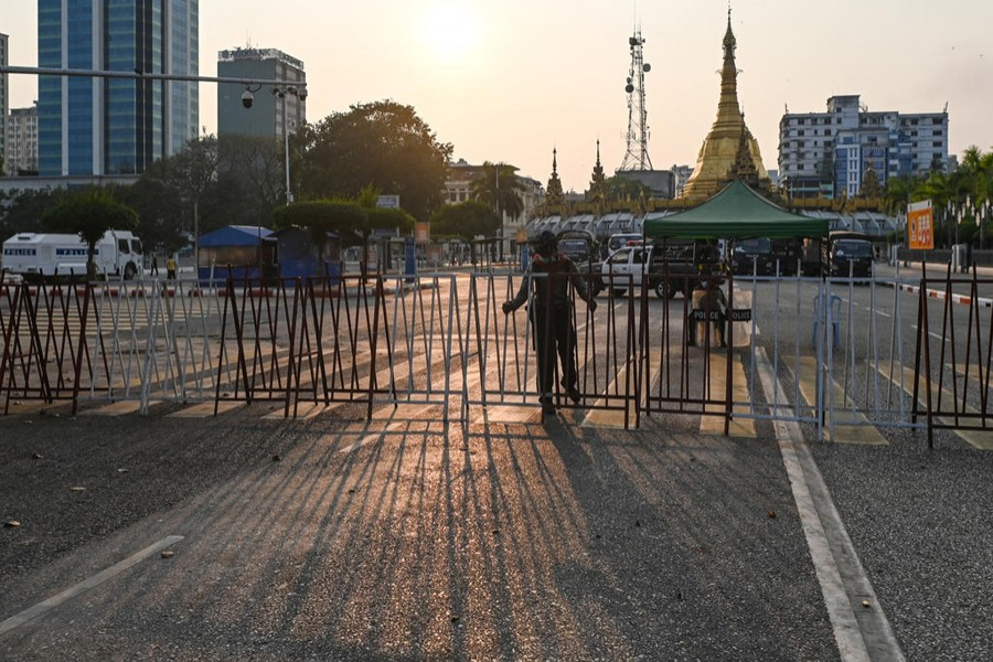 Myanmar minister flies to Thailand for crisis talks