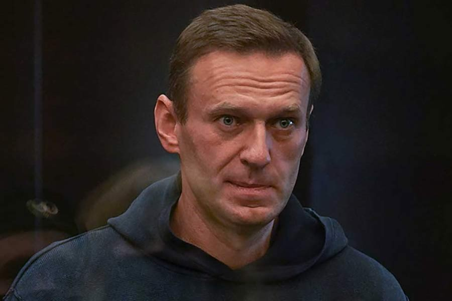 US imposes sanctions on Russia over attempt to kill Navalny