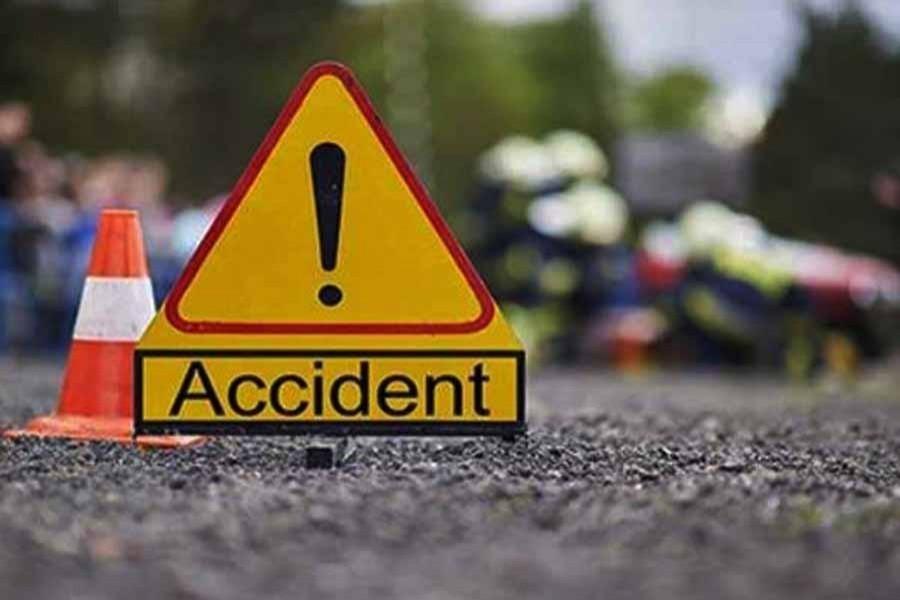 Road crash leaves two dead in Gopalganj