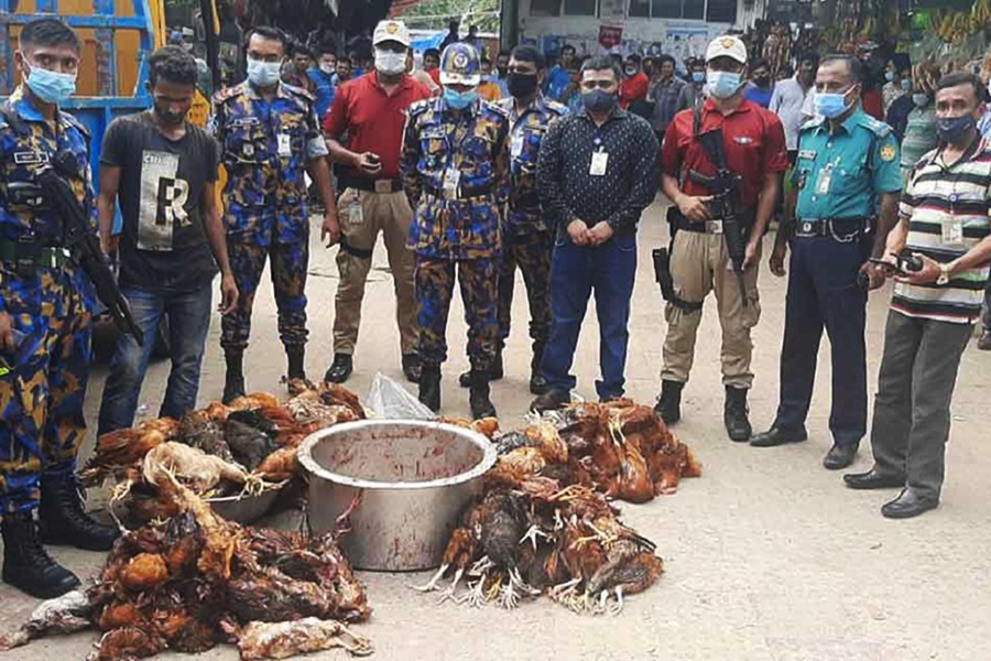 119 dead chickens seized from restaurant near HSIA, 7 held