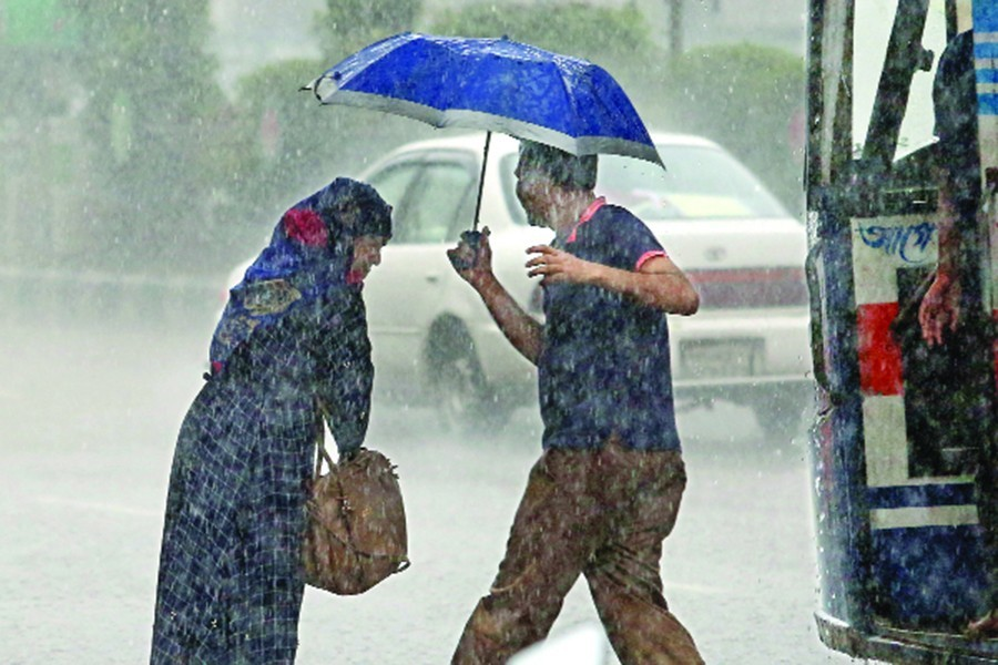 Full fledge Monsoon showers drench Dhaka, most of the country