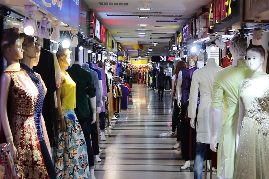 Owners urge govt to reopen shopping malls after Aug 5