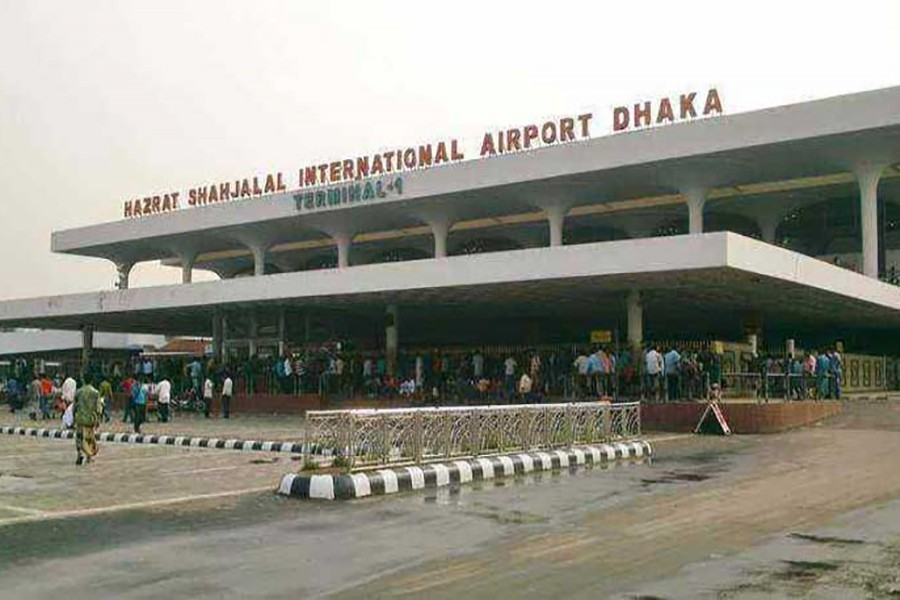 Foreign currencies worth Tk 125.1m seized at Dhaka airport