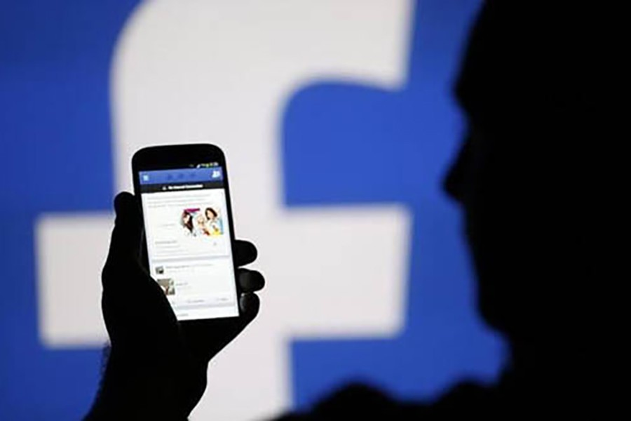 Russia fines Facebook, Twitter for not deleting content that Moscow deems illegal
